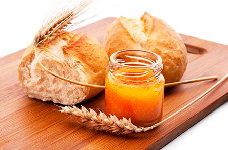 マヌカハニーと小麦パン