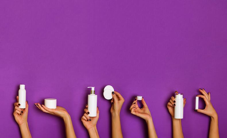 可愛い紫色のスキンケアの写真