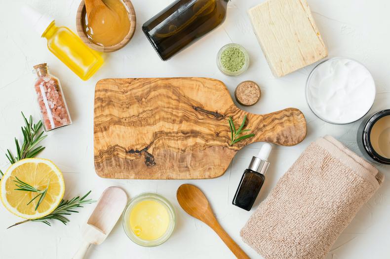 Manuka honey and skin care products